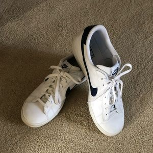 Nike men's Court Royale AC